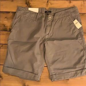Gap boyfriend roll-up shorts, NWT.